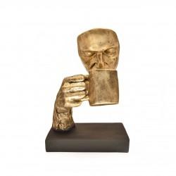 مجسمه تندیس لیوان طلایی